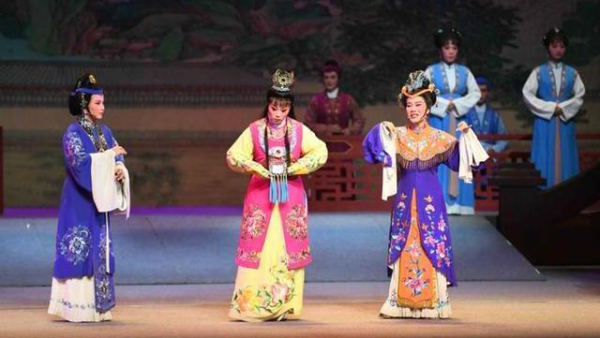 Yinzhou Yue Opera Troupe performs in Beijing
