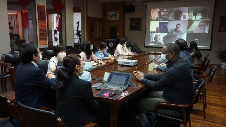 Zhejiang Normal University plays a role in the release of a joint proposal on Sino-Africa cooperation to fight against the COVID-19 浙江师范大学参与六语种中非合作抗疫倡议书的发布
