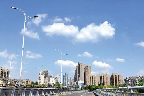 藍天白云 禾城美景
