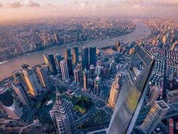 人口超千万GDP过万亿 去年中国这些城市变得更大更强
