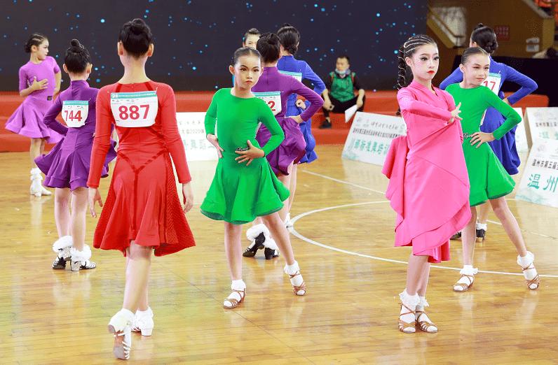 """900余""""舞林高手""""角逐这项锦标赛!温州上演年度""""最强""""体育舞蹈赛事"""
