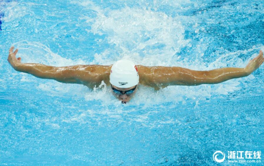 破亚洲纪录!浙江选手李朱濠获100米蝶泳铜牌