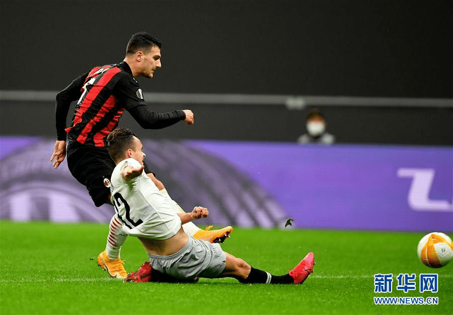 (体育)(8)足球——欧联杯:AC米兰胜布拉格斯巴达