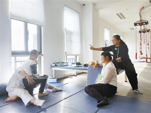 《意见》提出,台州将建立健全孤儿和困境儿童医疗保险制度:对符合规定