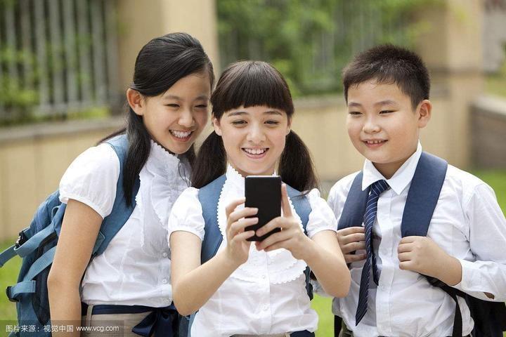用教育思维管好校园手机