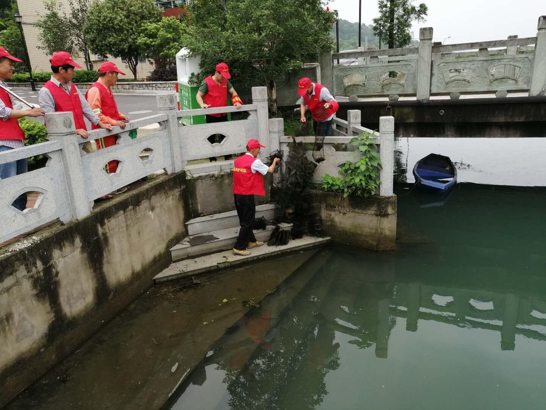 抗洪排涝 西湖区双浦镇民间护河