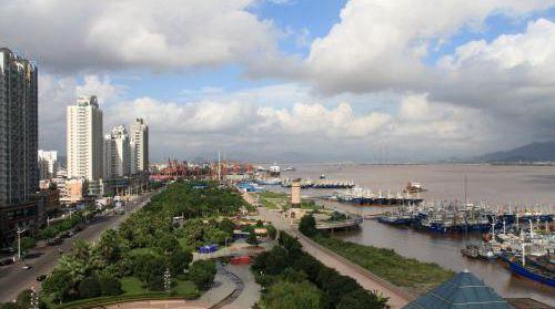 """台州打造码头""""五分钟""""办证圈"""