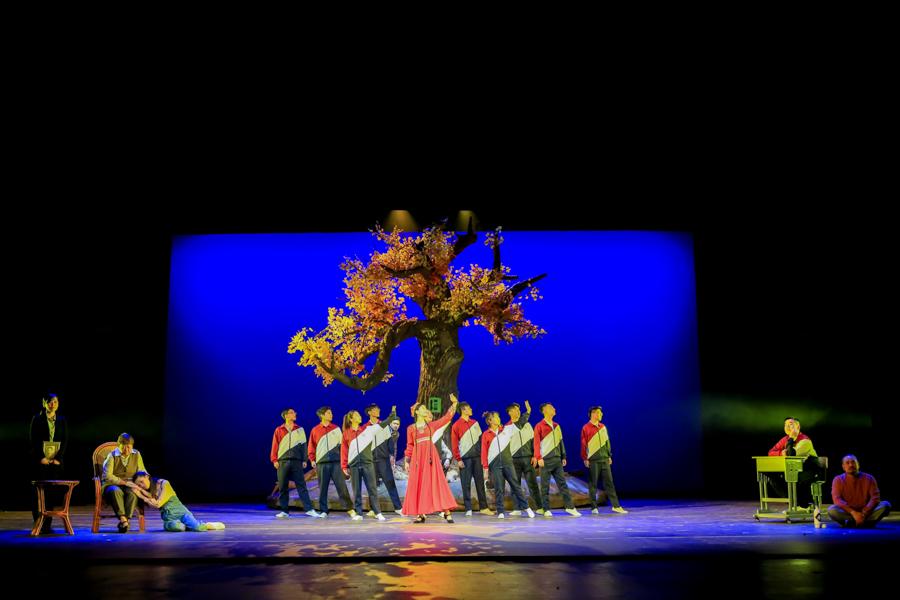 化作一盞燈  照亮天山路<br />以姚仁漢為原型的話劇在烏魯木齊上演