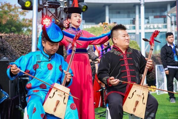 内蒙古的冬天有多美?游客在杭州就能跟随乌兰牧骑畅游亮丽内蒙古