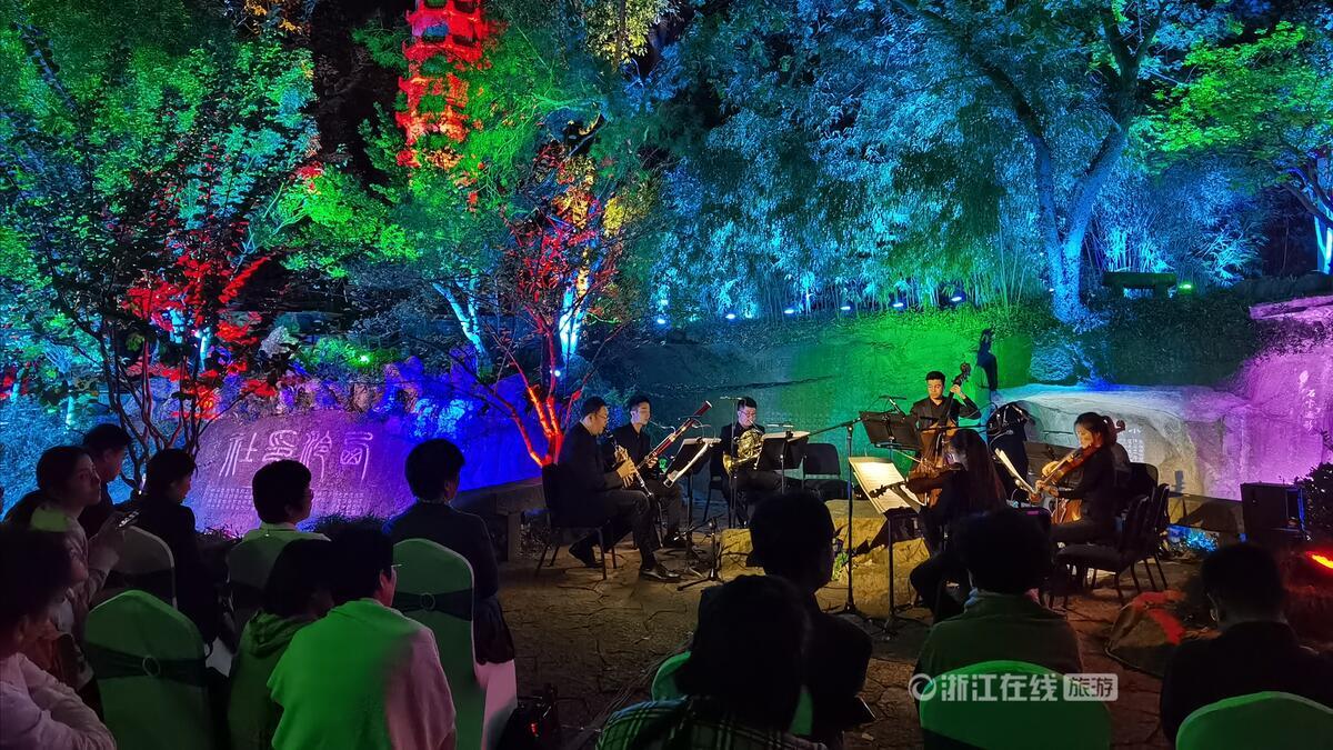 西泠印社首次夜间开放 古琴家陈雷激与爱乐乐团在山水园林中穿越时空对话