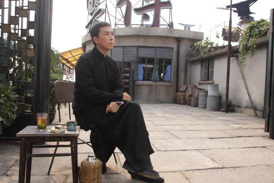 甄子丹来京宣传《叶问2》 称叶问家庭模范(图)图片