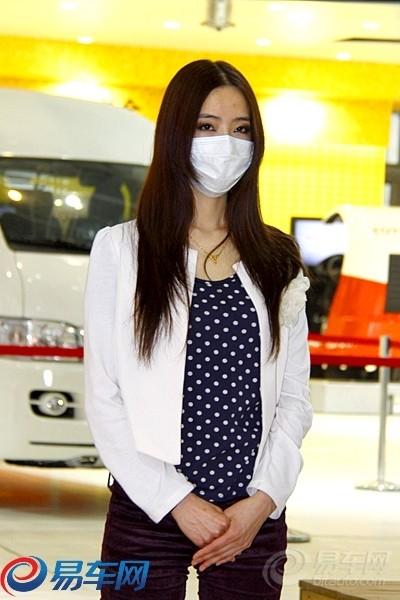 丰田车模首次排练 口罩美女齐亮相