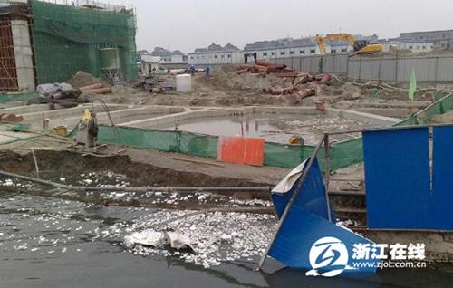 杭州地铁七堡段一处工地坍塌河水倒灌 暂无人员伤亡