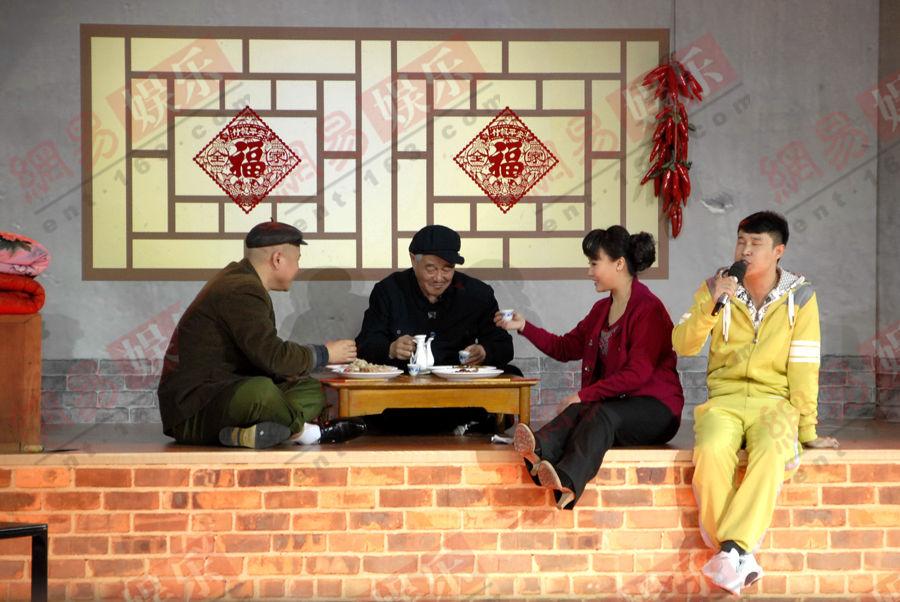 春晚第五次彩排 赵本山携小沈阳等表演《同桌