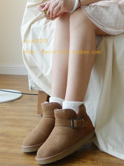 建议搭配:白色棉袜,雪纺裙
