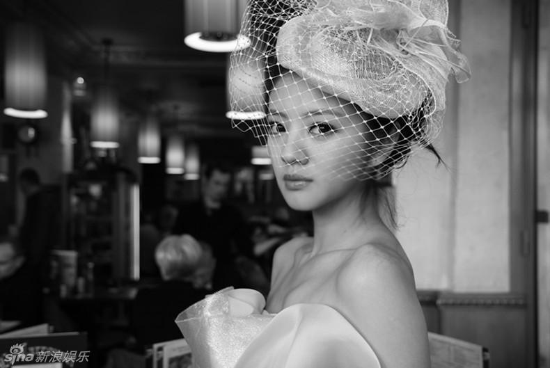 安以轩巴黎街头写真 安以轩 巴黎图片