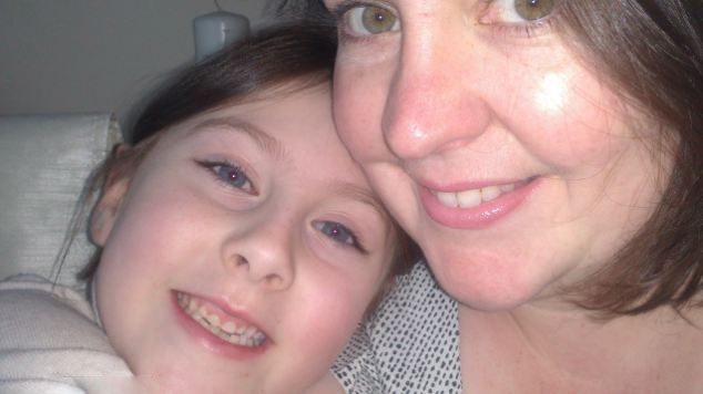 世界 白血病/据英国《每日邮报》7月29日报道,英国一7岁的小女孩于今年3...