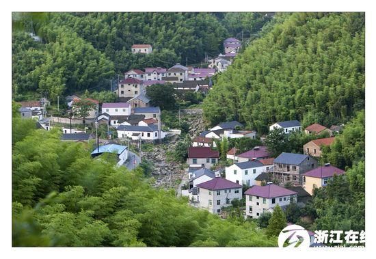 """""""美丽中国""""建设的先行者——中国美丽乡村安吉县走笔图片"""
