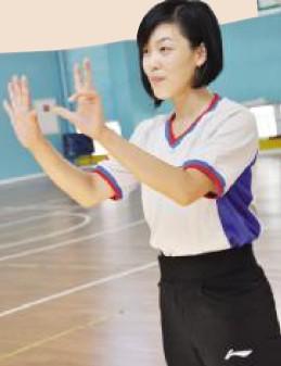 美女裁判让比赛更亮眼 浙江体育在线