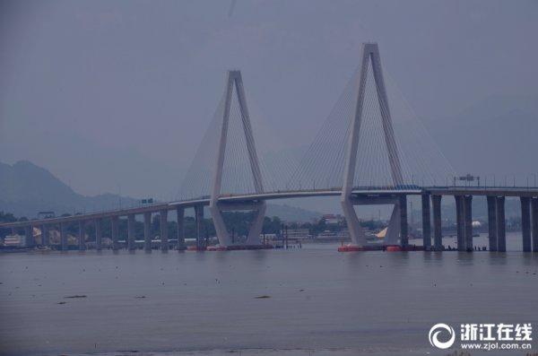 乐清湾跨海大桥雄伟壮观