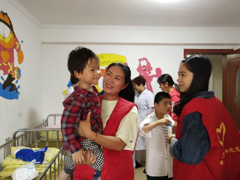 不抛弃不放弃 浦江儿童福利院用爱照亮孩子们的童年