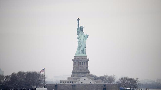 美国纽约自由女神像恢复参观