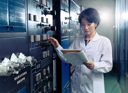 """温籍女科学家获""""中国青年科技奖"""" 为能源安全作出贡献"""