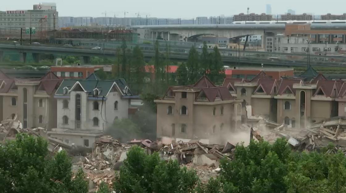 杭州下城区:石桥经合社违建楼房仍在出租经营
