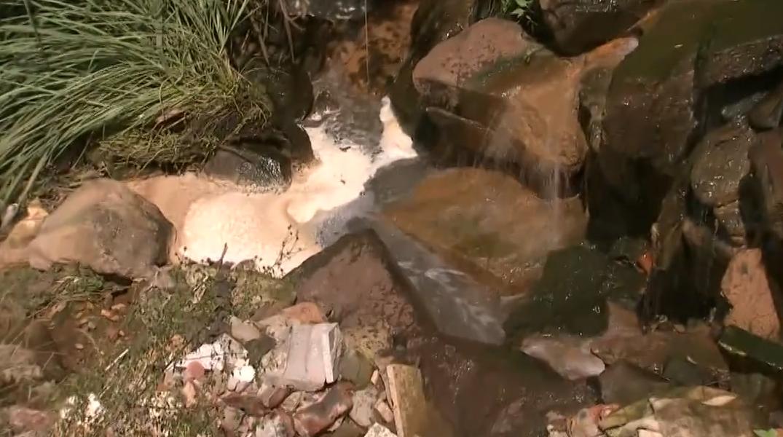 金华金东区:岭下工业区部分企业污水直排