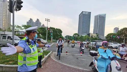 """蝉联""""全国文明城市""""你捣乱,台州为什么能浇灭?"""