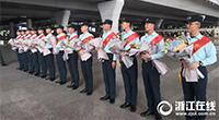 走3万步踢坏至少3双鞋 省军区阅兵文职方队受阅人员回杭