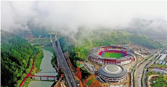 图为龙丽温高速云景段。 拍友 张锦国 摄