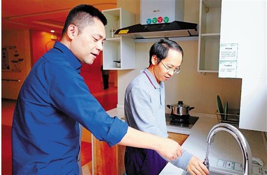 杭州市民政局社会福利和养老服务处处长吴强—— 用高效改革,为幸福晚年提供保障