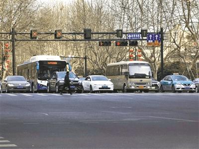 恢复错峰出行首日,杭州道路通行状况总体平稳