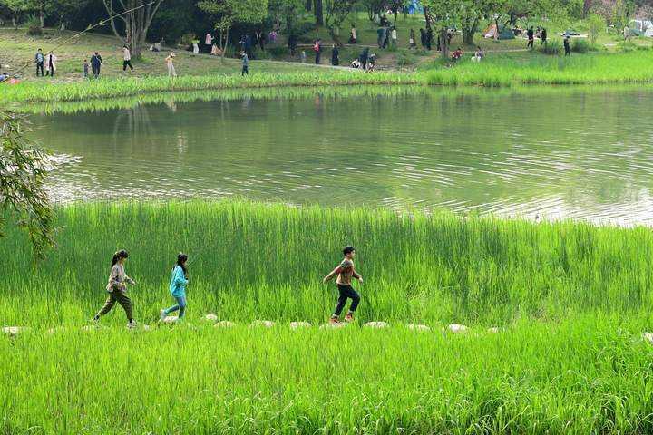 杭州好天气还将持续 气温冲冲冲 周三最高26℃