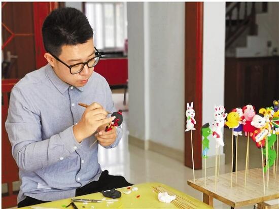 """三门民间泥塑艺人传承传统手艺 """"泥人杨"""",一把泥捏出幸福生活"""