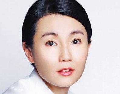 张曼玉拍新广告 精美造型展现高雅气质