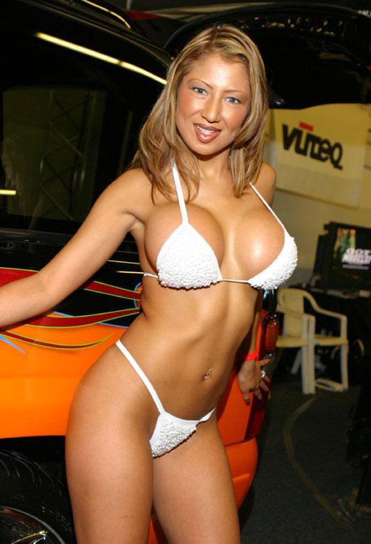 热情如火 狂野欧美车模 汽车频道高清图片