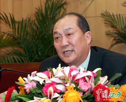 赣州新农村建设开展一年多来的心得.  图为赣州市市长王昭悠