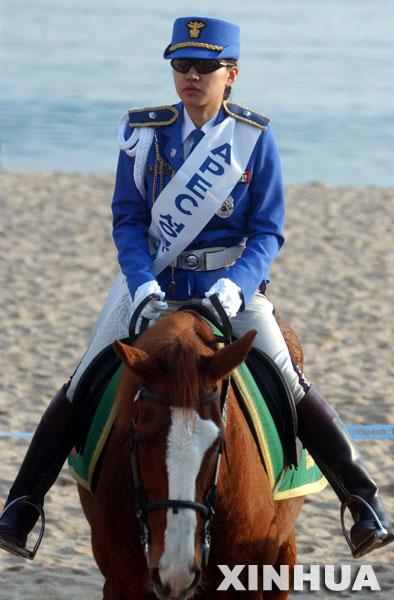 韩国女骑警 女警