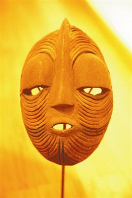 """的""""原始艺术与现代生活——非洲艺术精品展""""昨天起亮相北京桥艺"""