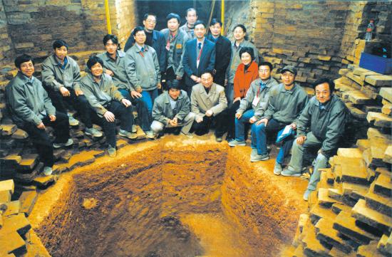 雷峰塔遗址发掘现场-发现 浙江10000年的文物辉煌图片