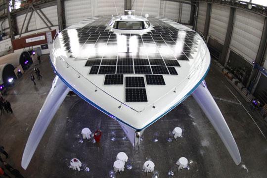 全球最大太阳能动力船亮相 将环游世界