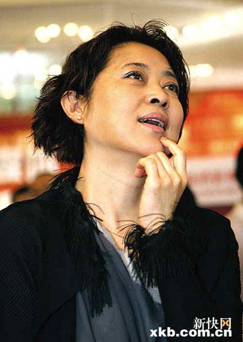 倪萍回应从不投反对票争议称从大局利益考虑