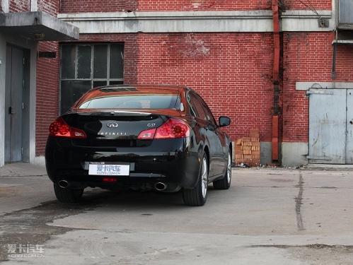 一级危险品 试驾2010款英菲尼迪g37轿车 高清图片