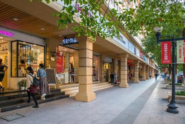 柳市镇在2013年出台了《柳市镇街道改造整体立面规划及整治》。