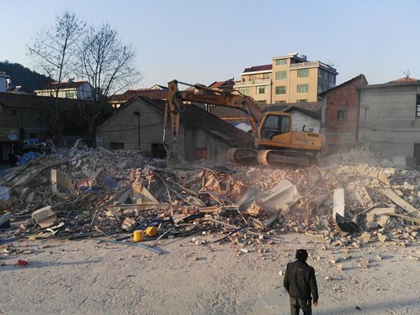 房屋拆迁后。