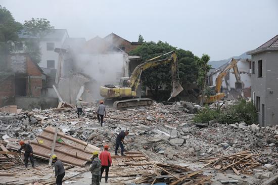 枫桥古镇拆迁施工现场。