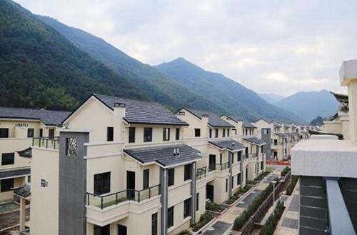 """李岙村:按照""""四民""""原则实施统一规划、全村拆建。"""